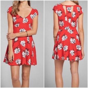 ABERCROMBIE Red Floral Dress Size Medium